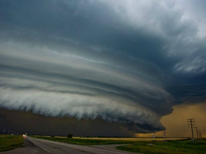 National Geographic - A shelf cloud looms over the Canadian prairies